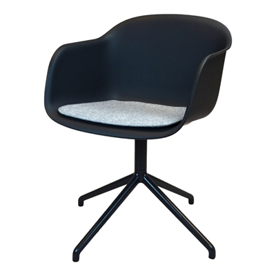 Dynor i TYG till Muuto Fiber arm chair